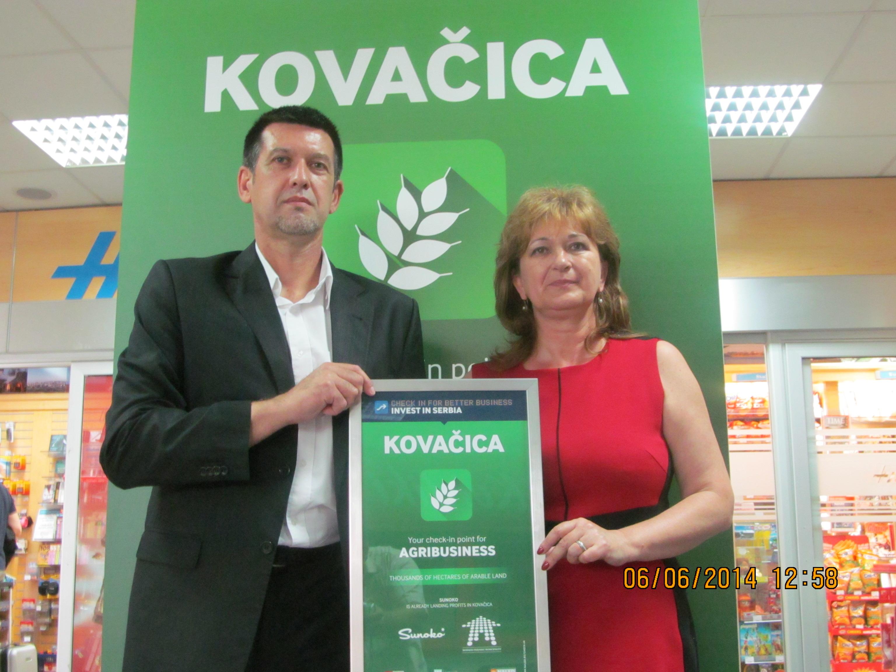 Opština Kovačica » Promocija Kovačice na aerodromu